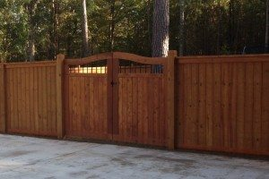 custom-captop-wooden-fence-14