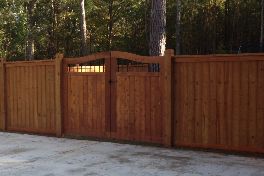Fence Company Tips For Staining And Sealing Outdoor Wood